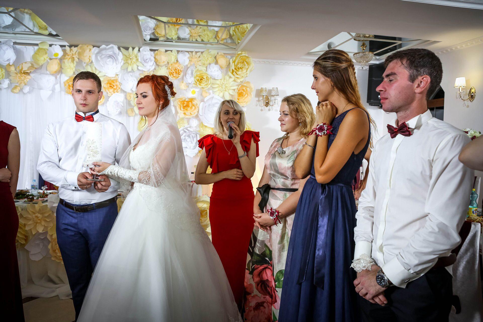Ведущая для поздравления на свадьбе 49